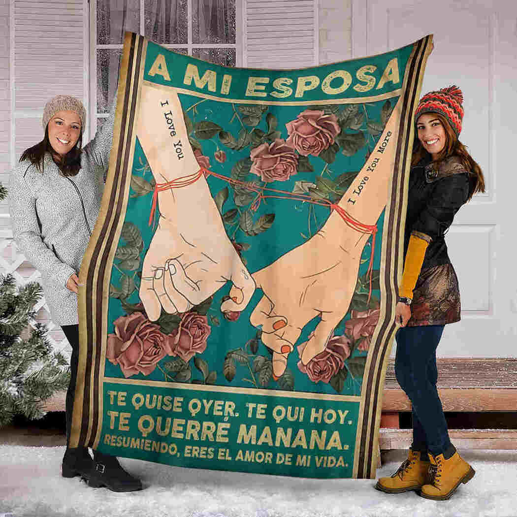 A Mi Esposa - Hand In Hand In Roses - To My Wife Blanket