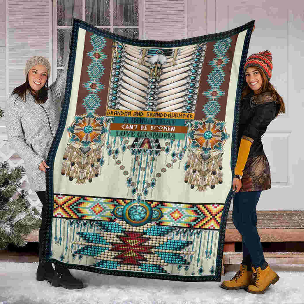 Grandma And Granddaughter Blanket - Native - A Bond That Can't Be Broken Blanket